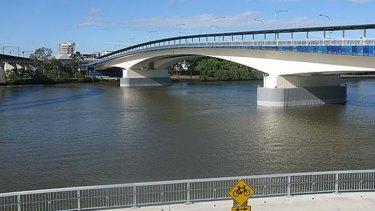 "A witness saw a ""big splash"" underneath the Milton end of the Go Between Bridge on November 19."