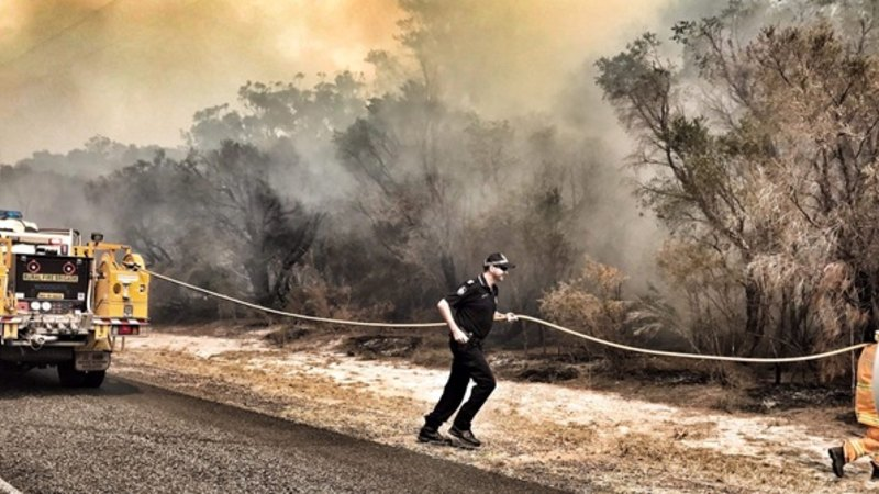 Near 40-degree 'heatwave' to fuel Qld fires, Toowoomba water supply damaged - Brisbane Times