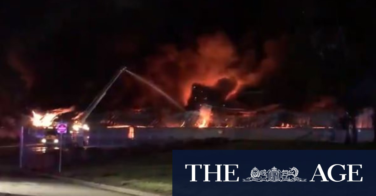 Factory fire in Melbourne's north sees blasts wake nearby residents
