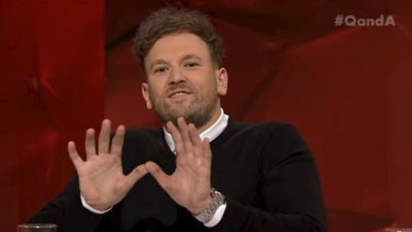 Dylan Alcott making the Wu-Tang Clan symbol at the end of Q&A on Monday night.