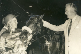 Prime Minister Gough Whitlam congratulates Hondo Grattan and Tony Turnbull after their Inter Dominion win in 1973.