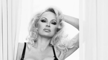 Pamela Anderson says Scott Morrison should intervene in Julian Assange's case.