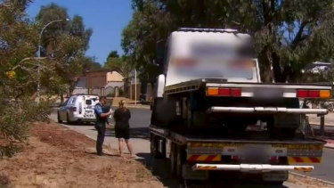Perth tow truck rivalry 'turns violent' after two companies