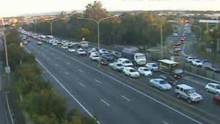 Northbound delays in Rochedale about 5.15pm as a result of the Underwood crash.