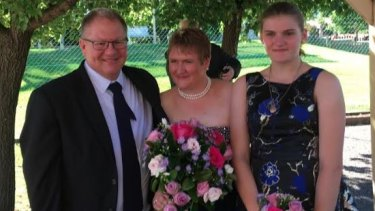 Gavin Dallow and stepdaughter Zoe Hosking have been killed in the White Island volcano disaster while Zoe's mother Lisa has suffered severe burns.