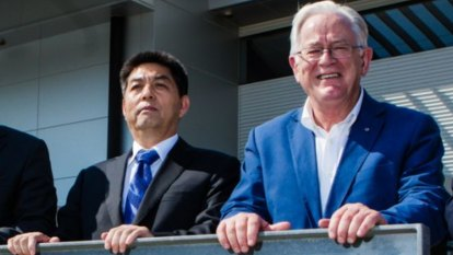 Andrew Robb quits China-linked firm before foreign interference law kicks in