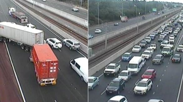 Nine separate crashes on WA roads as the Monday commute gets off to a slow start