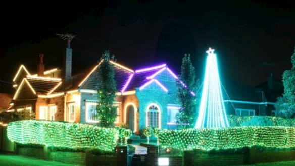 They've made a list, checked it twice: Melbourne's best Christmas lights