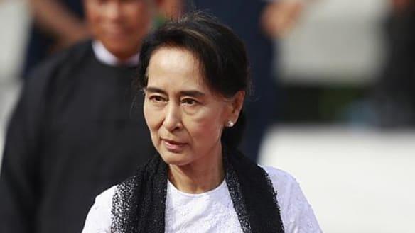 Myanmar's civilian, military leaders vow to crush Rakhine rebels