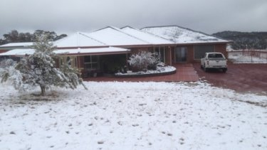 Snow blankets Stanthorpe in 2015.