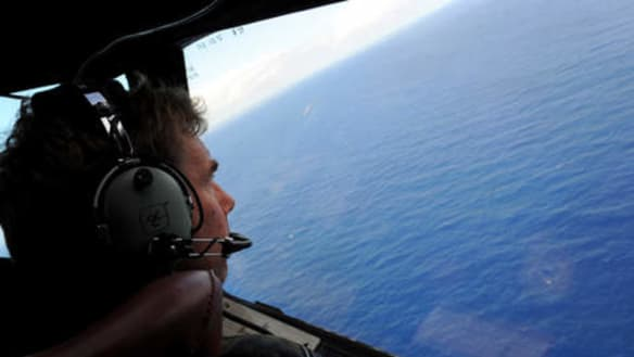 It could take days to reach solo yachtsman off WA coast