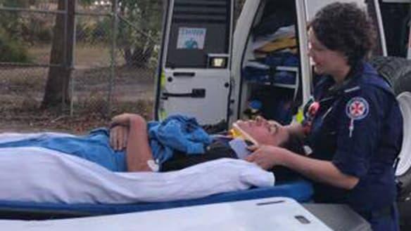 Teen uses Siri to call triple zero after bike crash in bush