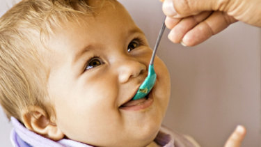 Australian guidelines back introducing eggs and peanuts to babies before 12 months.