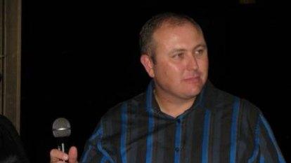 Trio put Queensland ice dealer into esky to scare him