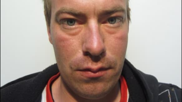 Police warn public of serious sex offender on the run in Victoria