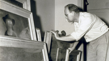 A Max Dupain 1945 photograph of painter Russell Drysdale.