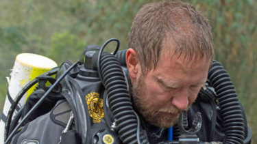 Diving expert Richard Harris, an anaesthetist from Adelaide, undertook the dangerous dive through to the 12 Thai boys and their coach on Saturday, clearing the way for the rescue attempt on Sunday.