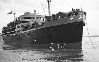 HMT Dunera in Melbourne in 1940.