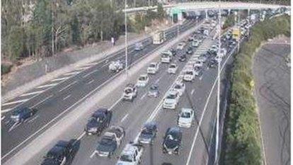 Road rage fight breaks out on the Ipswich Motorway