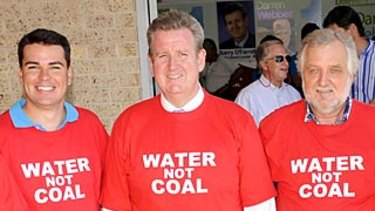Former NSW premier Barry O'Farrell (centre).