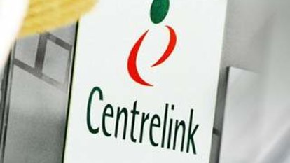 More than 400 Melbourne Centrelink call centre workers sacked