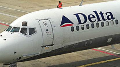 Passengers panic as Delta flight drops 30,000 feet in eight minutes