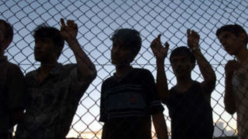 Morrison government transfers refugees to Australia from Nauru amid internal pressure