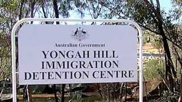 Detainees at Yongah Hill detention centre in Northam rioted overnight after an inmate died on Sunday.