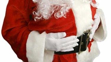 Queensland's shopping centre Santas must be cleared to work with children before children can sit on their laps, child safety advocates argue.