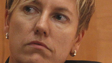 Cate Faehrmann is threatening to quit the Greens Party.