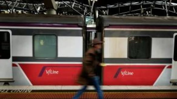 Commuter chaos as V/Line goes into meltdown after signal fault