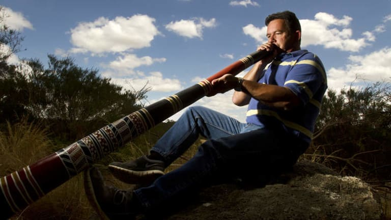 Former footballer Colin McKinnon-Dodd says didgeridoo playing helped him enormously after lung cancer surgery.