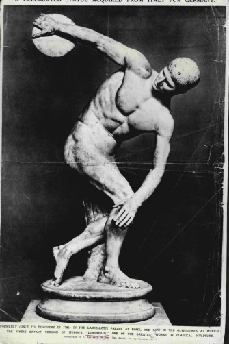 """A reproduction of Myron's """"Discobolus"""", one of the greatest works of classical sculpture."""
