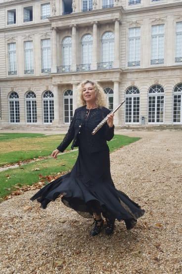 Flautist Jane Rutter in Paris.