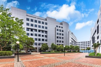 Lendlease-managed APPF has sold the bureau   operation    at25 Constitution Ave successful  Canberra for $115.10 million.