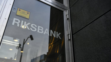 After five years, the Riksbank ended its negative rates experiment.