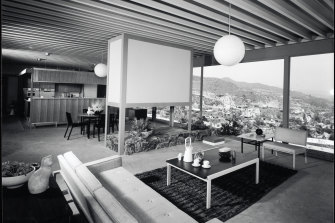 Open-plan living in the Stahl house in Los Angeles, photographed in 1960.