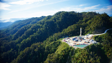 Shares in Oil Search dropped 7.2 per cent on concerns its gas field activities in Papua New Guinea are at risk.