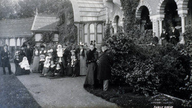 Sir Frederick Sargood and family outside the conservatory at Rippon Lea in 1902.