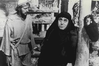 Brian (Graham Chapman) and Brian's mother, Mandy (Terry Jones) in Monty Python's Life of Brian.