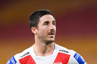 Ben Hunt played 27 minutes with a broken arm.