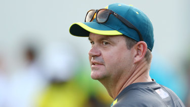 Australian women's coach Matthew Mott a signed a new deal.