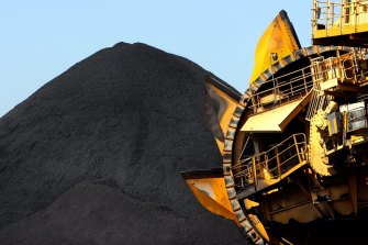 The federal government's Intergenerational Report 2021 says Australia's coal and gas exports are under threat from global climate commitments.