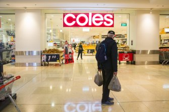 'Coles has shown its true colours': Minister blasts supermarket on milk drought levy