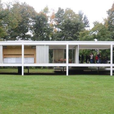 Mies van der Rohe's Farnsworth House in Illinois.