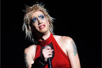 iOTA as Hedwig in 2007.