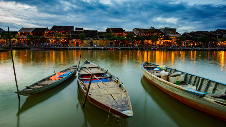 Thu Bon River in Hoi An, Vietnam. there's a world of difference between neighbours vietnam and cambodia There's a world of difference between neighbours Vietnam and Cambodia 9b0b6e52d09a76308cf66049407839a76885b38a